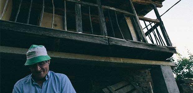 Un grupo de estudiantes recorre Galicia en busca de aldeas que se extinguen