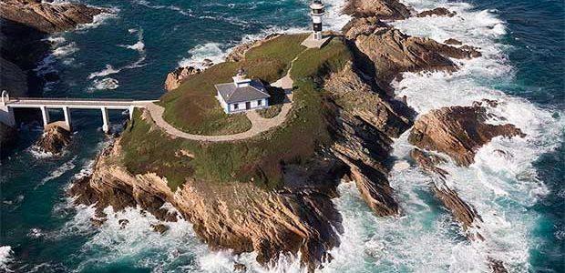 El hotel del faro de Isla Pancha (Lugo) abrirá en marzo