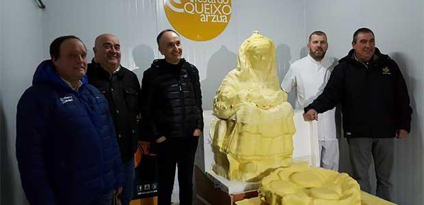 Más de 7.500 litros de leche para hacer una escultura de queso Arzúa-Ulloa