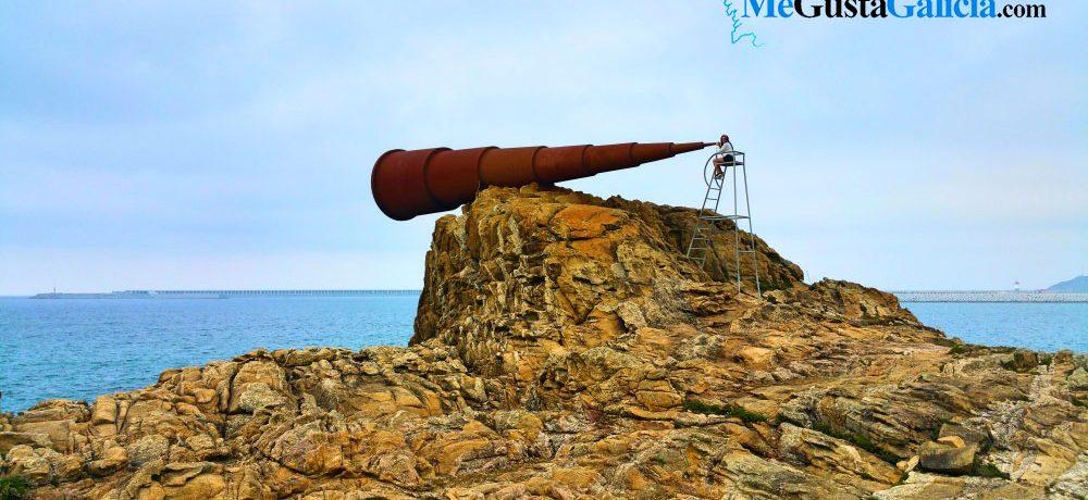 Ojo, que en Galicia tenemos el «Monumento al Voyeur»