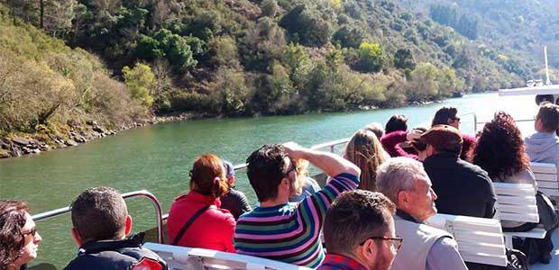 Las rutas en catamarán por la Ribeira Sacra arrancarán el próximo 13 de junio